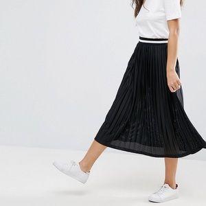 Pleated Midi Skirt with Sporty Waistband